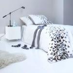 lihtne liblikatega magamistuba