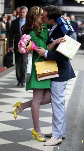 2012 aasta trendid: kirkad värvid ja selged jooned