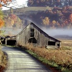 http-::blueridgeblog.blogs.com:blue_ridge_blog:Autumn_barn