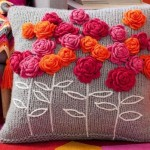 http-::au.lifestyle.yahoo.com:better-homes-gardens:craft:articles:a:-:14613324:how-to-make-a-crochet-flower-pillow: